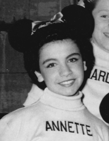 The_Mickey_Mouse_Club_Mouseketeers_Annette_Funicello_1956